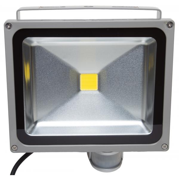 Projecteur led 30w blanc chaud ir ip54 ext rieur 54 50 for Projecteur garage led